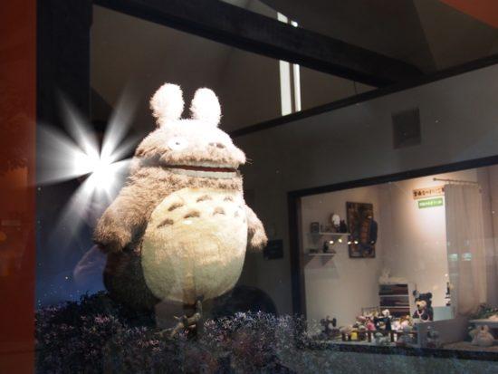 割引利用の伊豆テディベアミュージアムでライトアップしたトトロ