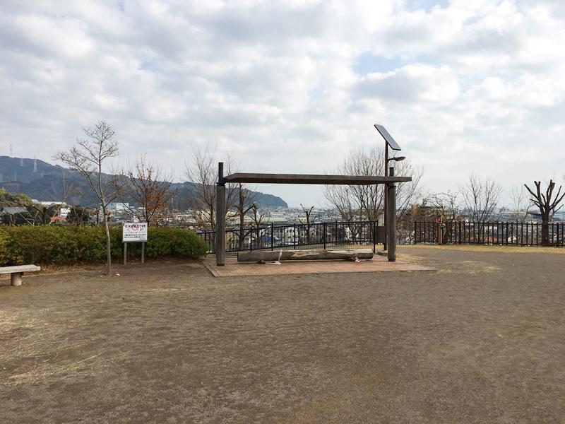 秋葉山公園の広場