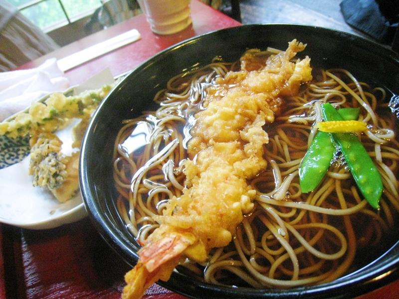 あたたかい蕎麦と天ぷら